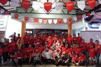 Nissan Evalia Community melakukan kegiatan di Taman Mini Indonesia Indah. (foto : Ria Afriliani)