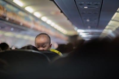 Mudik dengan membawa bayi bukan hal mudah (foto: ist)